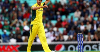 Australian quick bowler Starc says