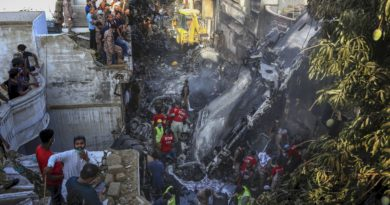 PIA Plane Crashes in Karachi Local location