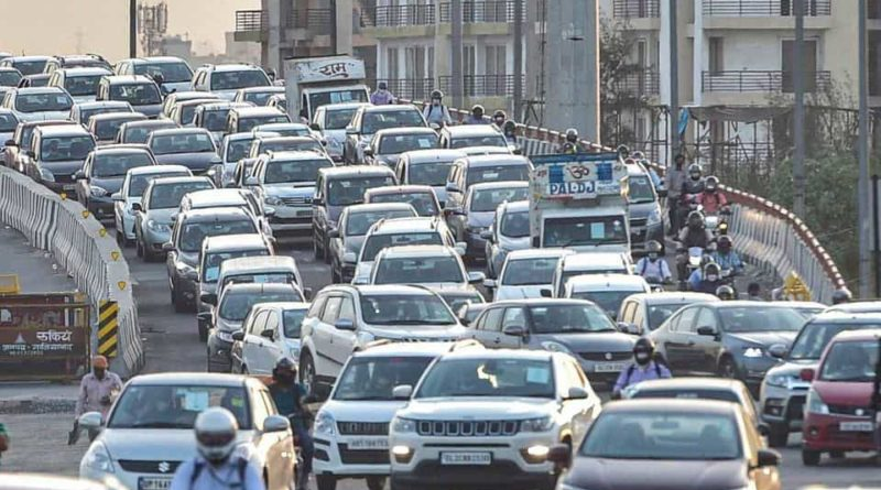 Individuals stuck in an overwhelming traffic jam as Delhi-Ghaziabad border sealed, There was a traffic line up to more than one kilometer. Workers made some