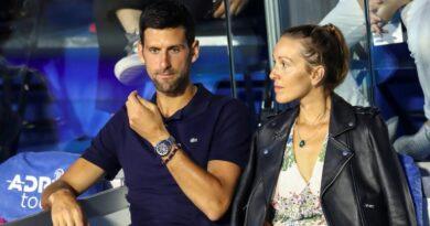 Novak Djokovic apologizes