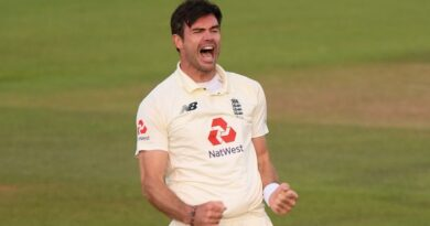England's fast bowler